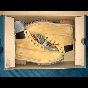 BIG KIDS YOUTH SIZE 4.5 TIMBERLAND CLASSIC BOOTS